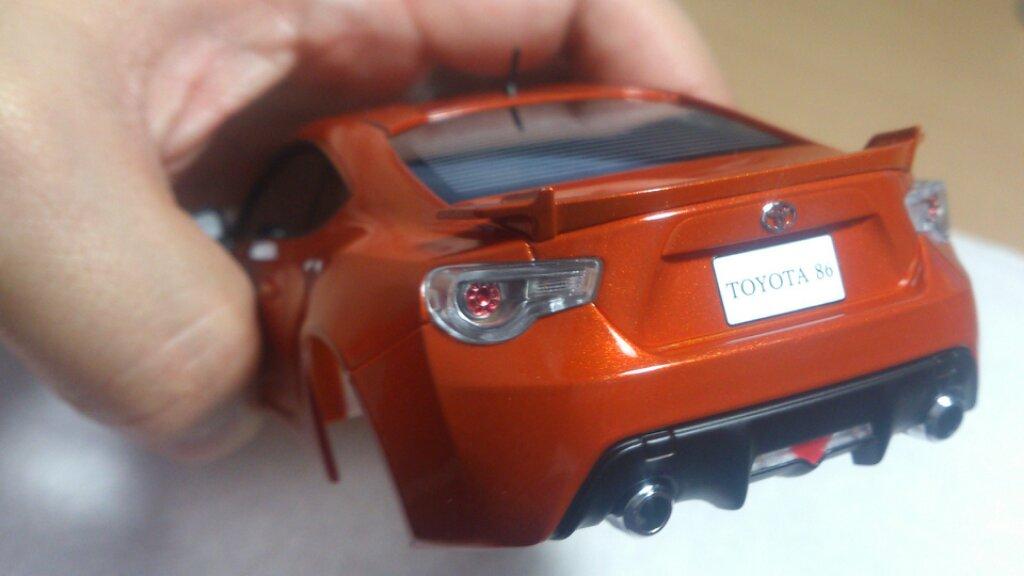 ミニッツレーサー 電飾職人: トヨタ FT86  ホワイト/オレンジ